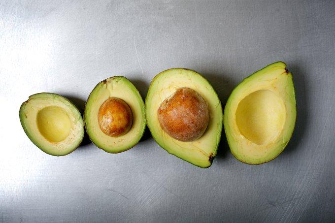 Como usar abacate na pele e no cabelo