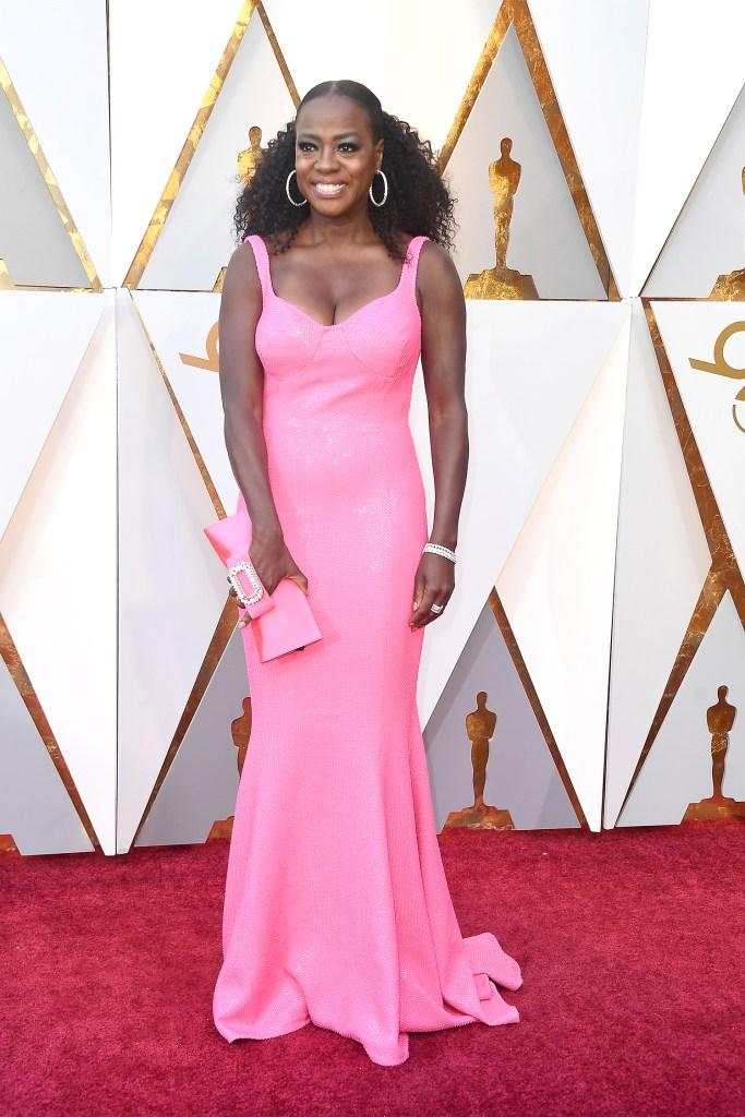 Viola Davis no tapete vermelho do Oscar 2018