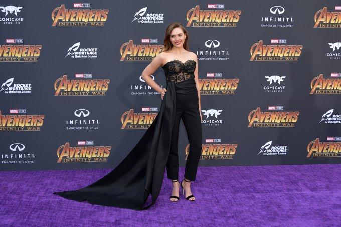 "Elizabeth Olsen na pré-estreia de ""Vingadores: Guerra Infinita"""