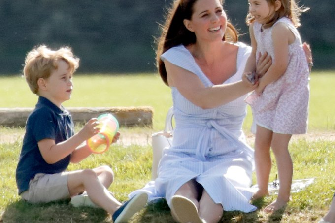 Príncipe George, Kate Middleton e Princesa Charlotte