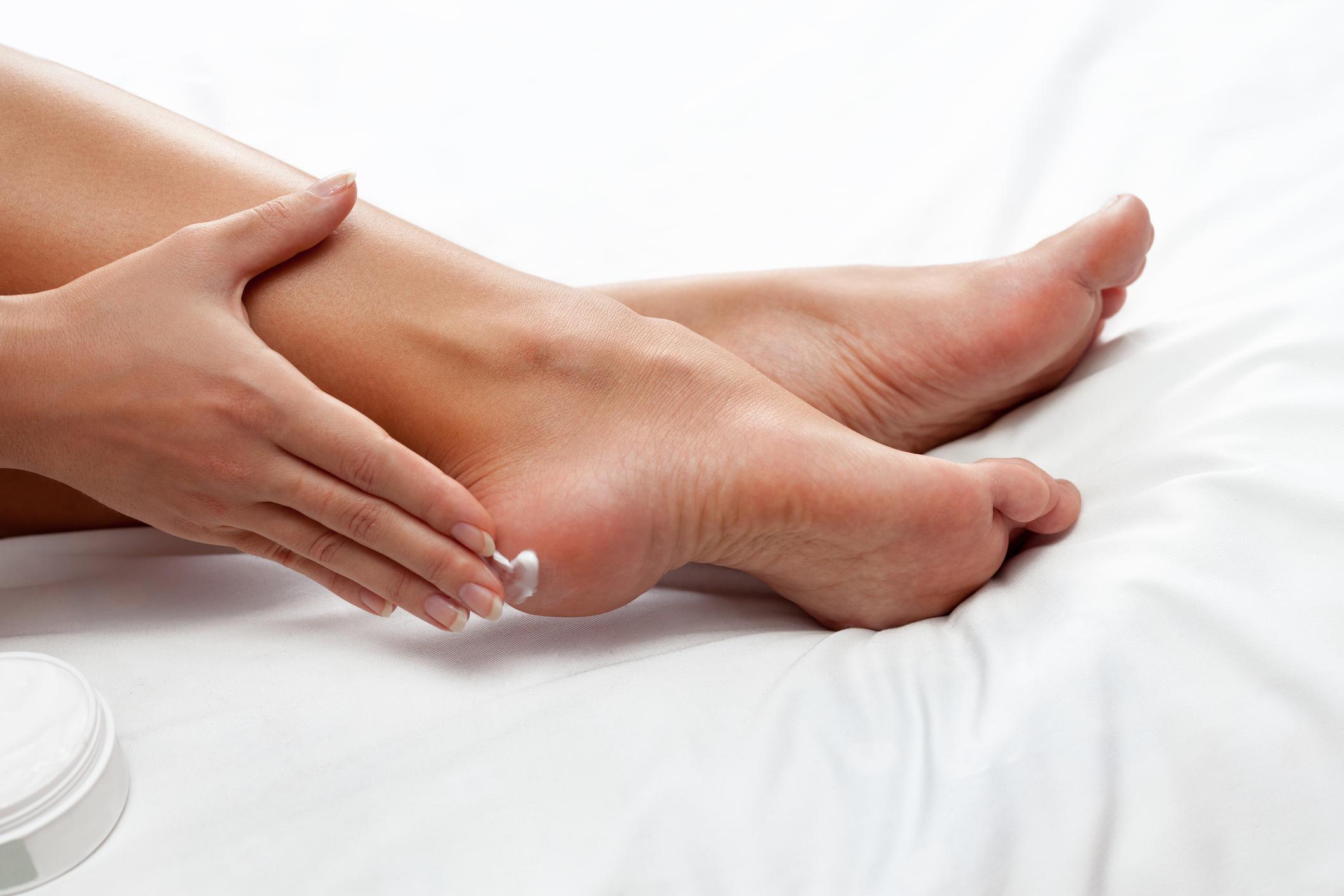 Hidratação dos pés no inverno - saúde e doenças de pele