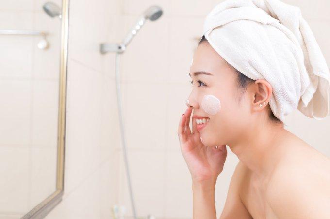 Hidratação do rosto no inverno – saúde e doenças de pele