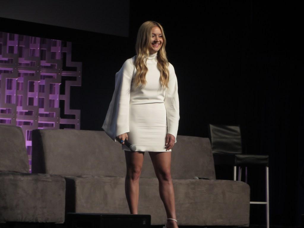 Billie Lourd homenageia Carrie Fisher Star Wars Celebration