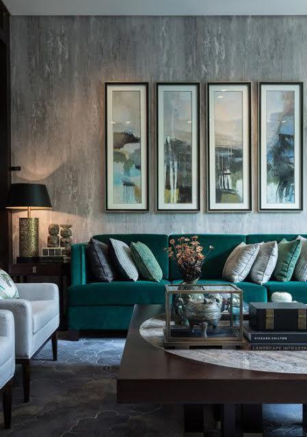 Decoração industrial e clássica na sala de estar
