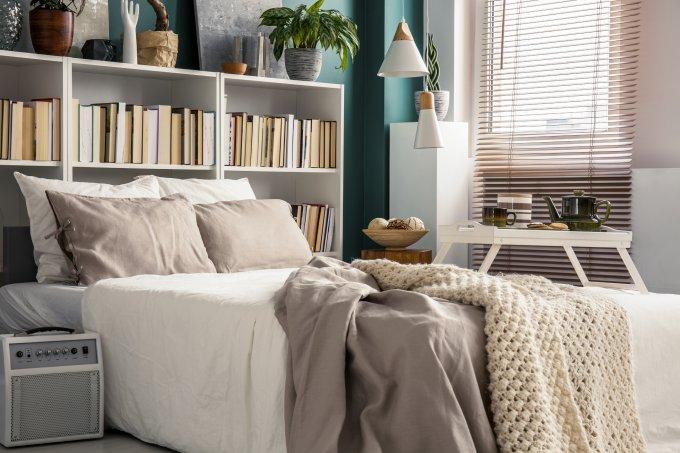 Inspirações para decorar e aproveitar espaço de quartos pequenos