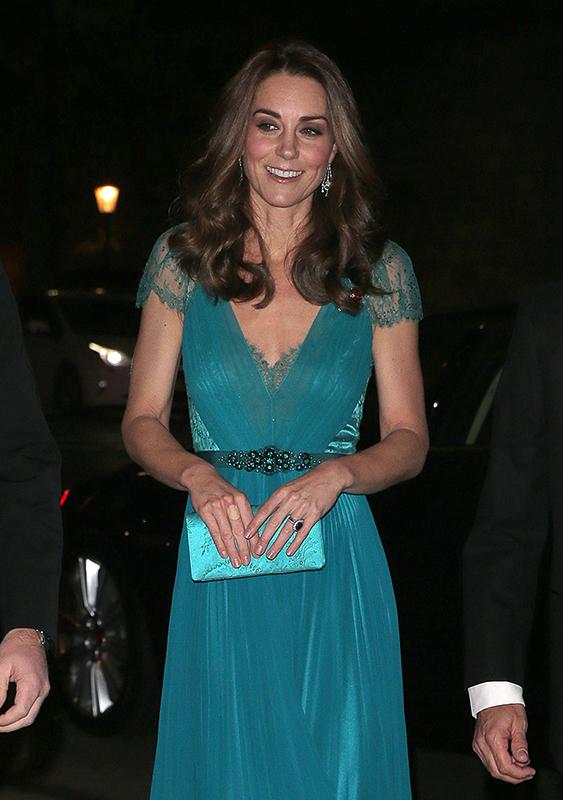 Kate Middleton curativo nos dedos