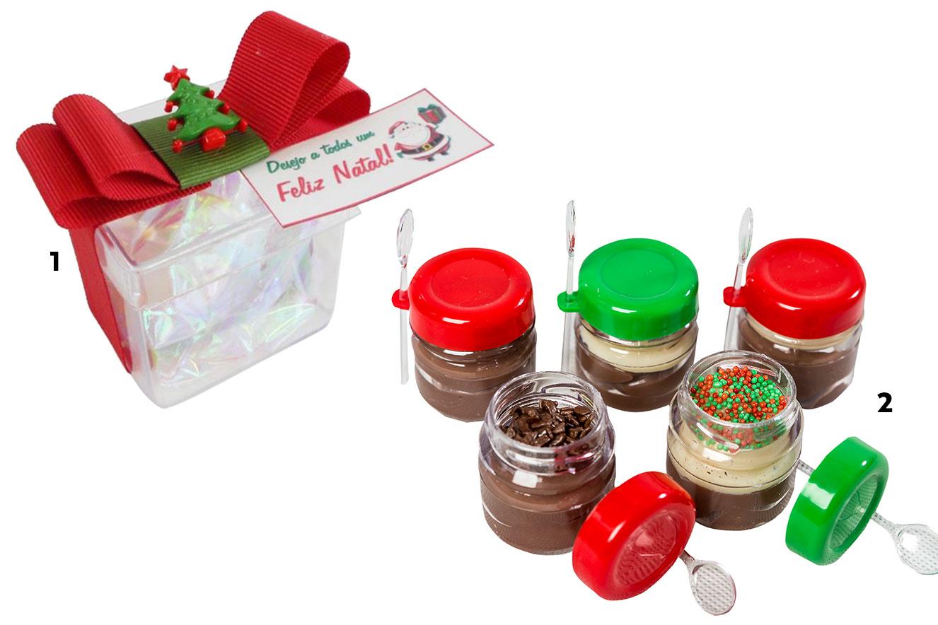 Caixa acrílica com amêndoas e potinhos com brigadeiros de colher - ideias de lembrancinhas de Natal
