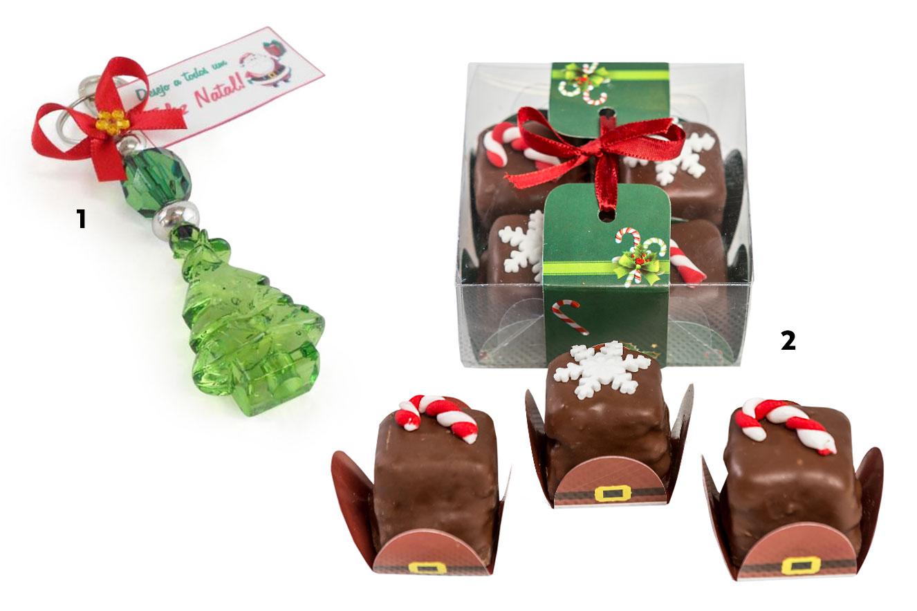 Chaveiro em formato de árvore de Natal e caixa com mini pães de mel sortidos - ideias de lembrancinhas de Natal
