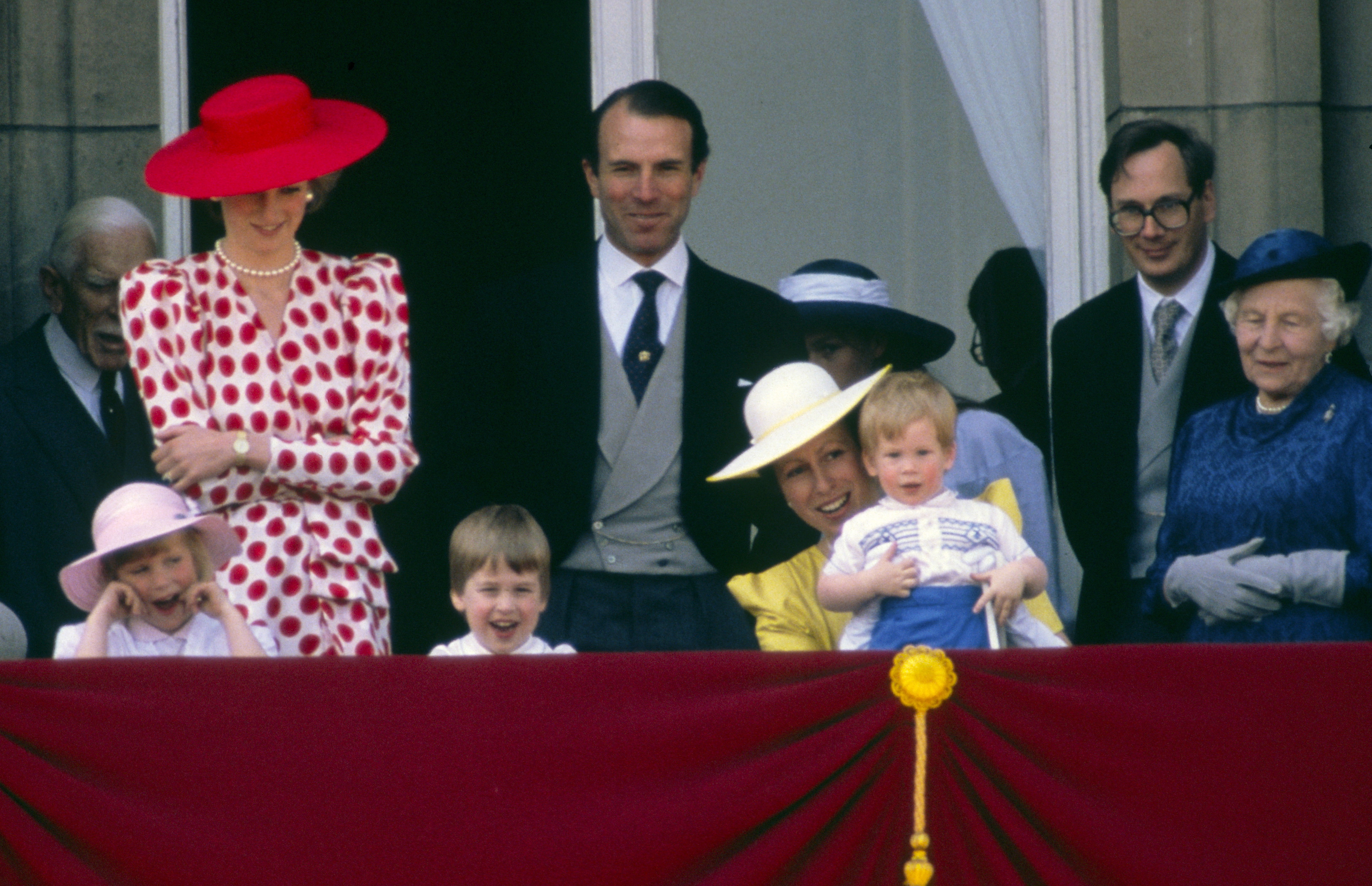 Principe Harry Trooping the Colour 1986