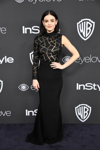 <strong>Lucy Hale</strong> veste <strong>Christian Siriano</strong>.