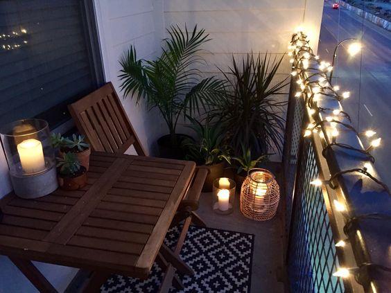 Varanda com luzes decorativas