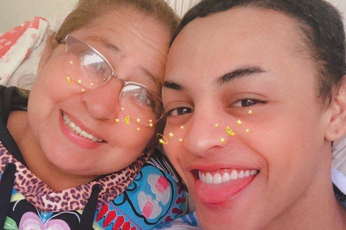 Mãe e Pabllo Vittar
