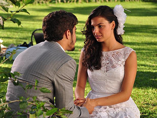 Casamento Marcela (Isis Valverde) e Edgar (Caio Castro) na novela Ti Ti Ti