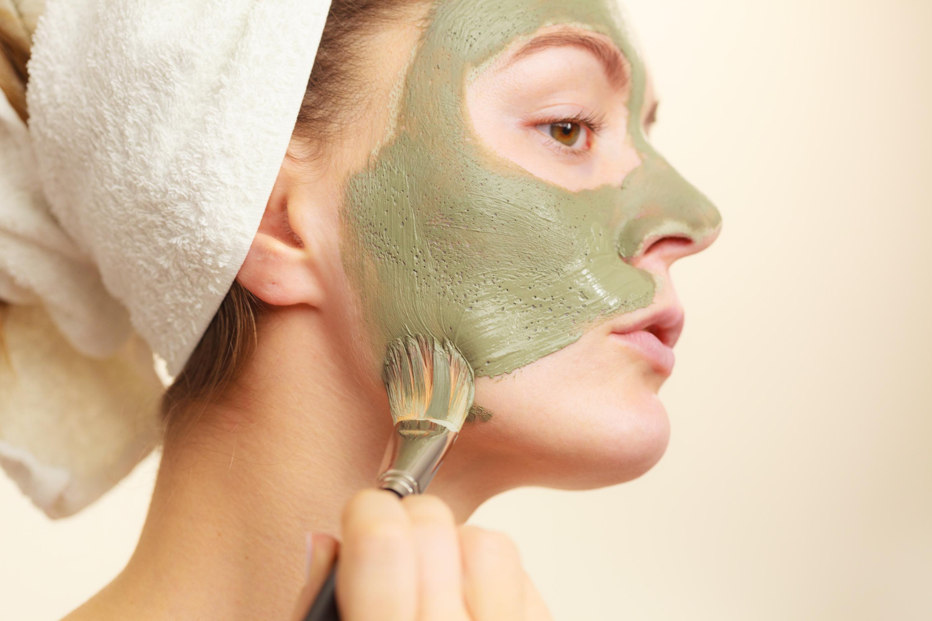 Melhores ativos naturais para pele oleosa - argila verde