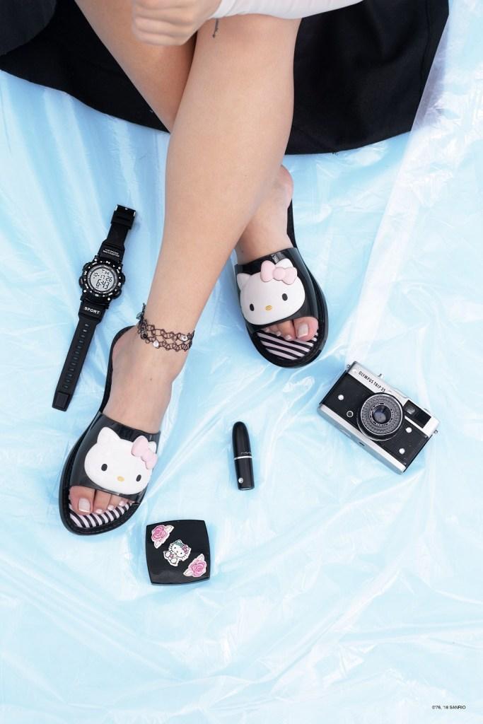 Melissa Slipper + Hello Kitty 2