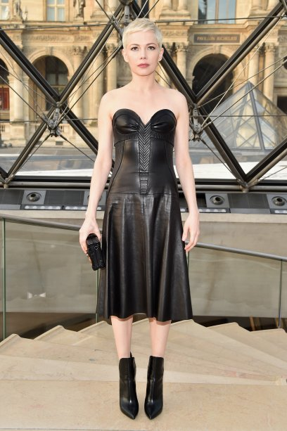 Michelle Williams no desfile da Louis Vuitton