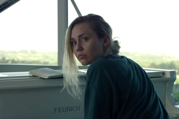 Miley Cyrus no primeiro trailer da 5ª temporada de Black Mirror