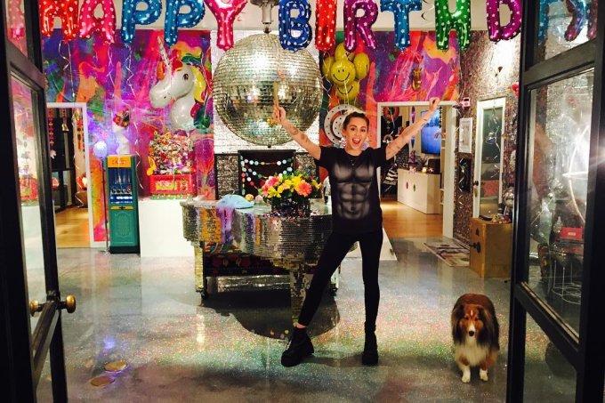 miley-cyrus-festa-aniversario