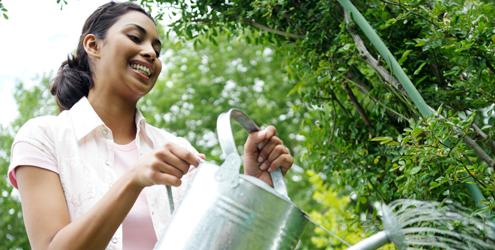 mulher-jardinagem-12307-1