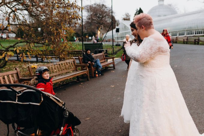 Casal de noivas