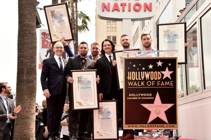 NSYNC estrela calcada da fama hollywood