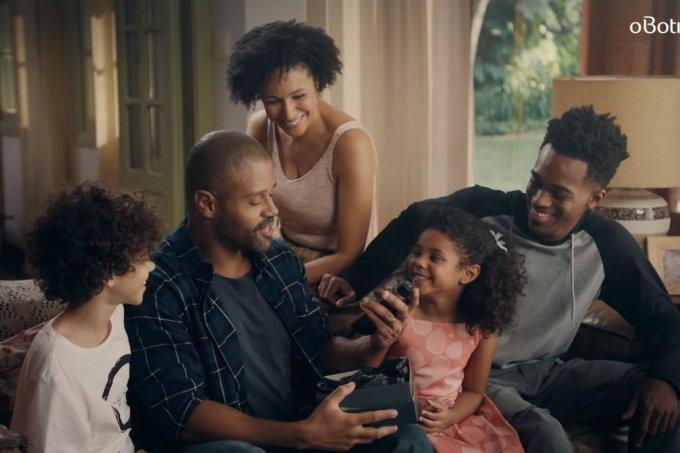 Comercial do Boticário com família negra