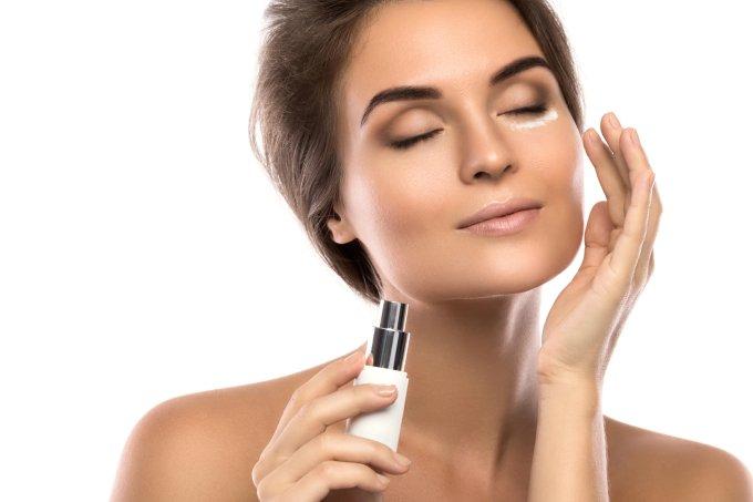 Tudo que o ácido hialurônico pode fazer pela sua pele