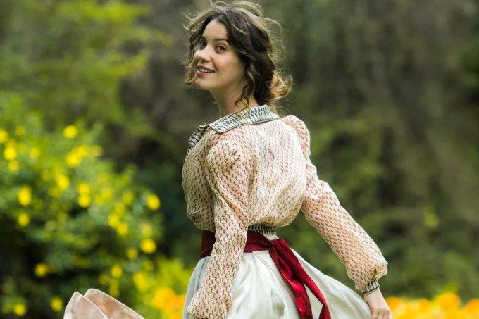 Resumo da novela Orgulho e Paixão, Elisabeta Benedito