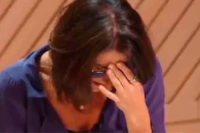 Paola chorando na eliminação do MasterChef Profissionais