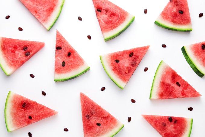 Parte branca da casca da melancia