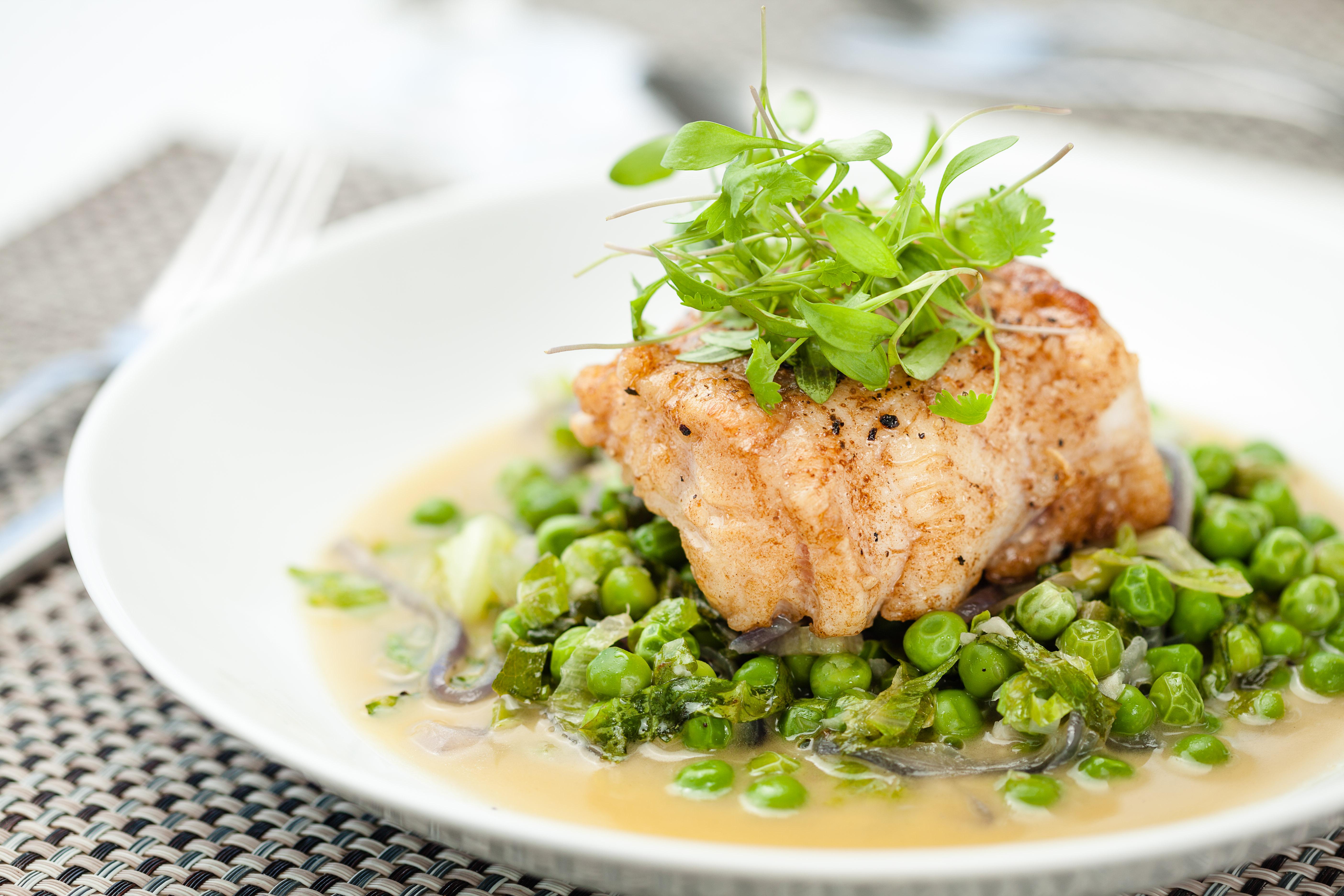 pescada com ervilha