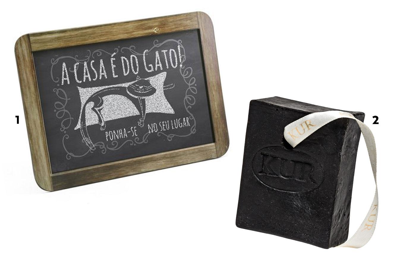 """Quadro decorativo com estampa """"A casa é do gato"""" e sabonete de lama negra - ideias de presentes de Natal criativos"""