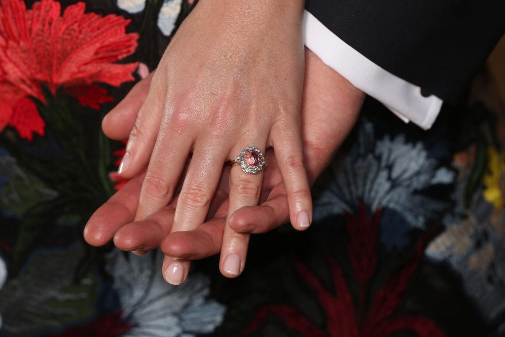 Aliança de noivado de princesa Eugenie