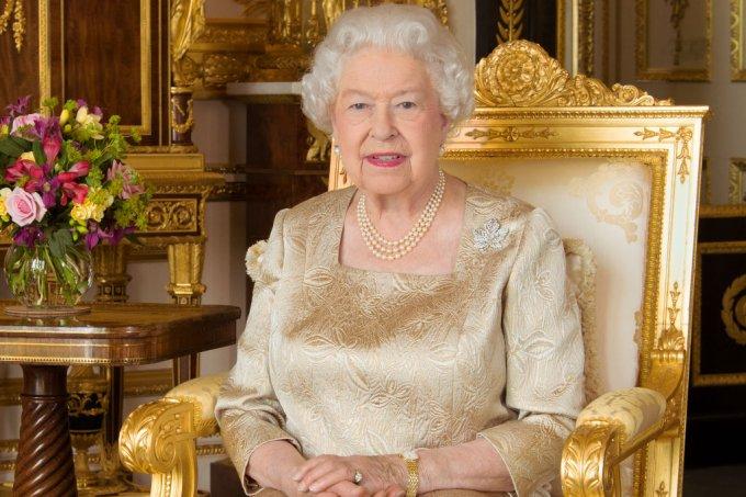 Protocolos da família real britânica – esmalte – Rainha Elizabeth II