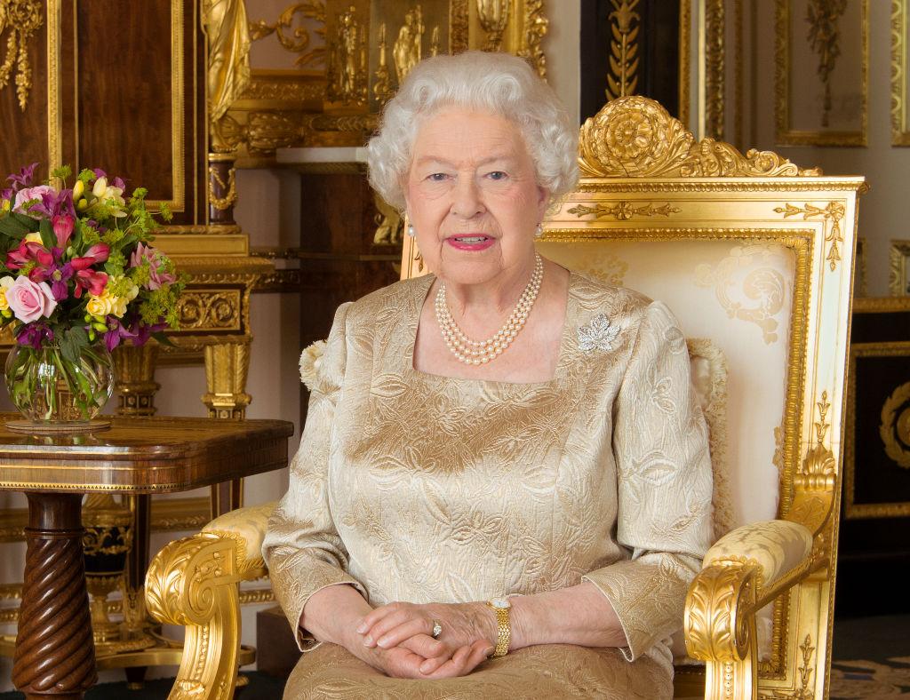 Protocolos da família real britânica - esmalte - Rainha Elizabeth II