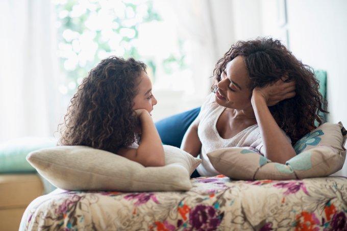 Quando e como deve ser a primeira conversa sobre sexo com as crianças