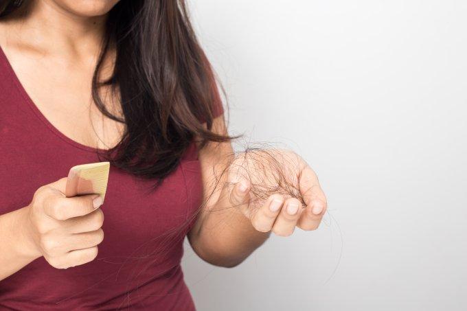 Causas da queda de cabelos no pós-parto
