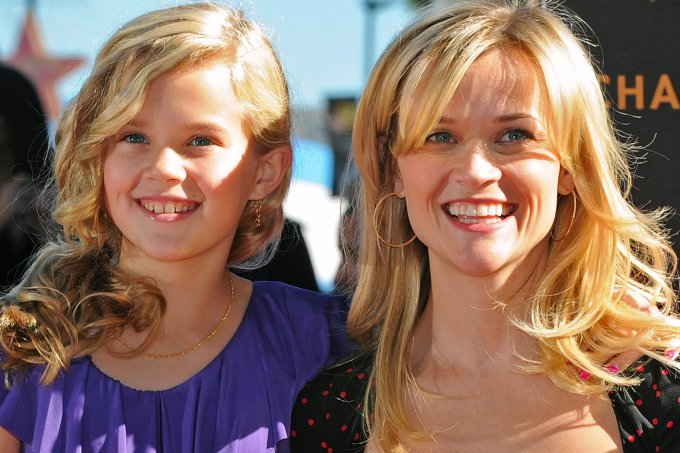 Reese-Witherspoon e Ava Phillipe