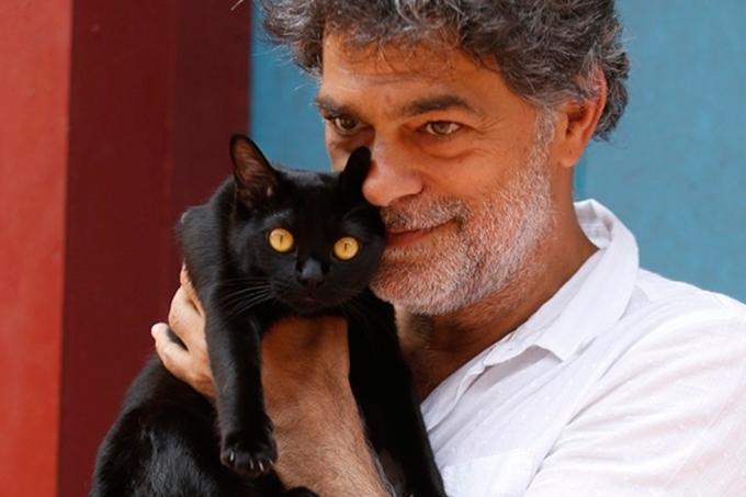 Resumo da novela O Sétimo Guardião, León e Murilo