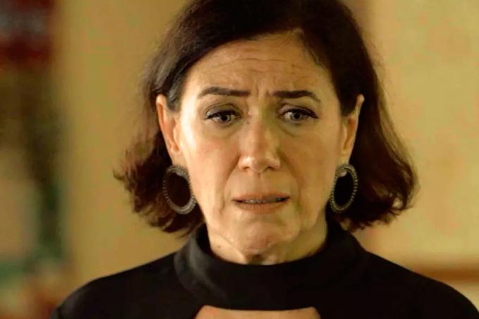 Resumo da novela O Sétimo Guardião, Valentina é presa