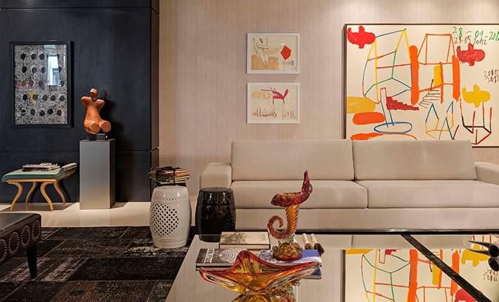 Decoração retrô e moderna na sala de estar