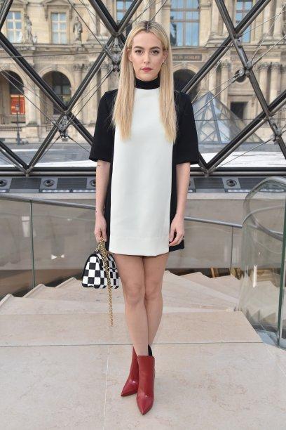 Riley Keough no desfile da Louis Vuitton