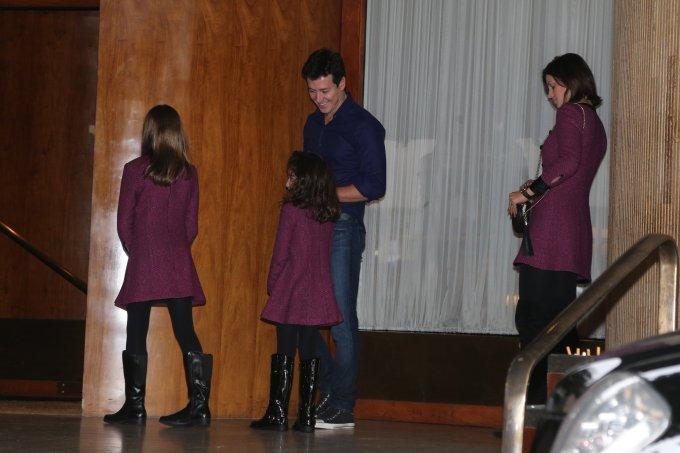 Rodrigo Faro, Vera Viel e filhas no Dia das Mães