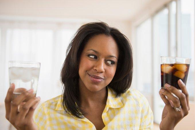 Saiba que benefícios o corpo sente quando você para de tomar refrigerante
