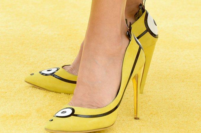 sandra-bullock-sapatos-minions_0-1