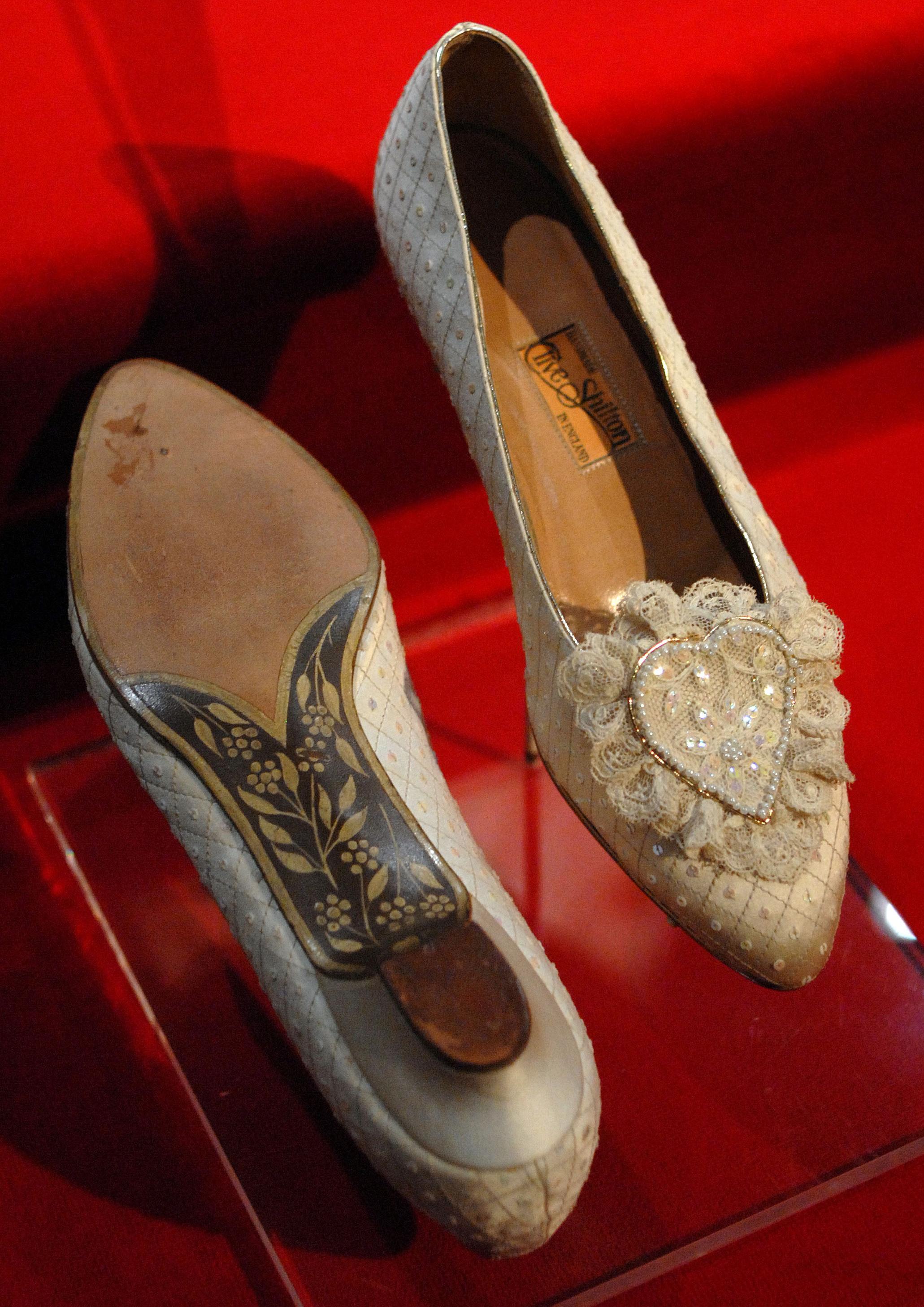 Sapatos do casamento da Princesa Diana