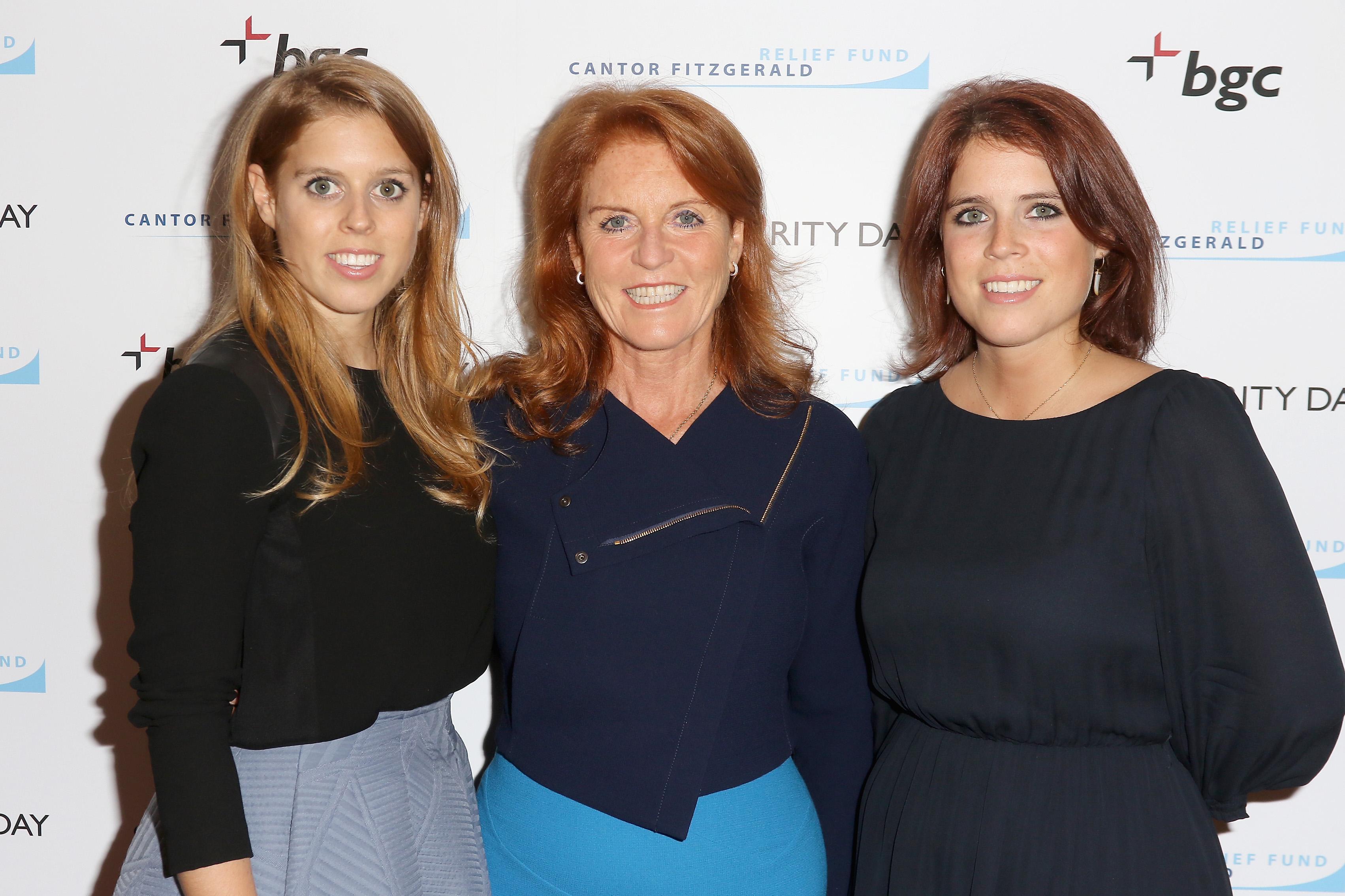 Princesa Beatrice, Sarah Ferguson e Princesa Eugenie