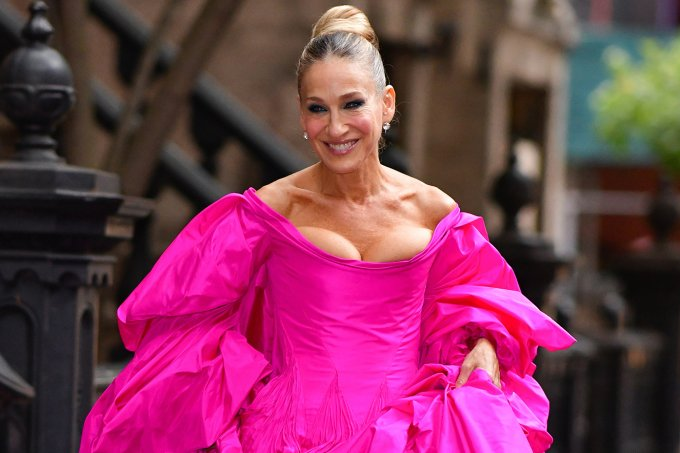 sarah-jessica-parker-look-pink-carrie-bradshaw