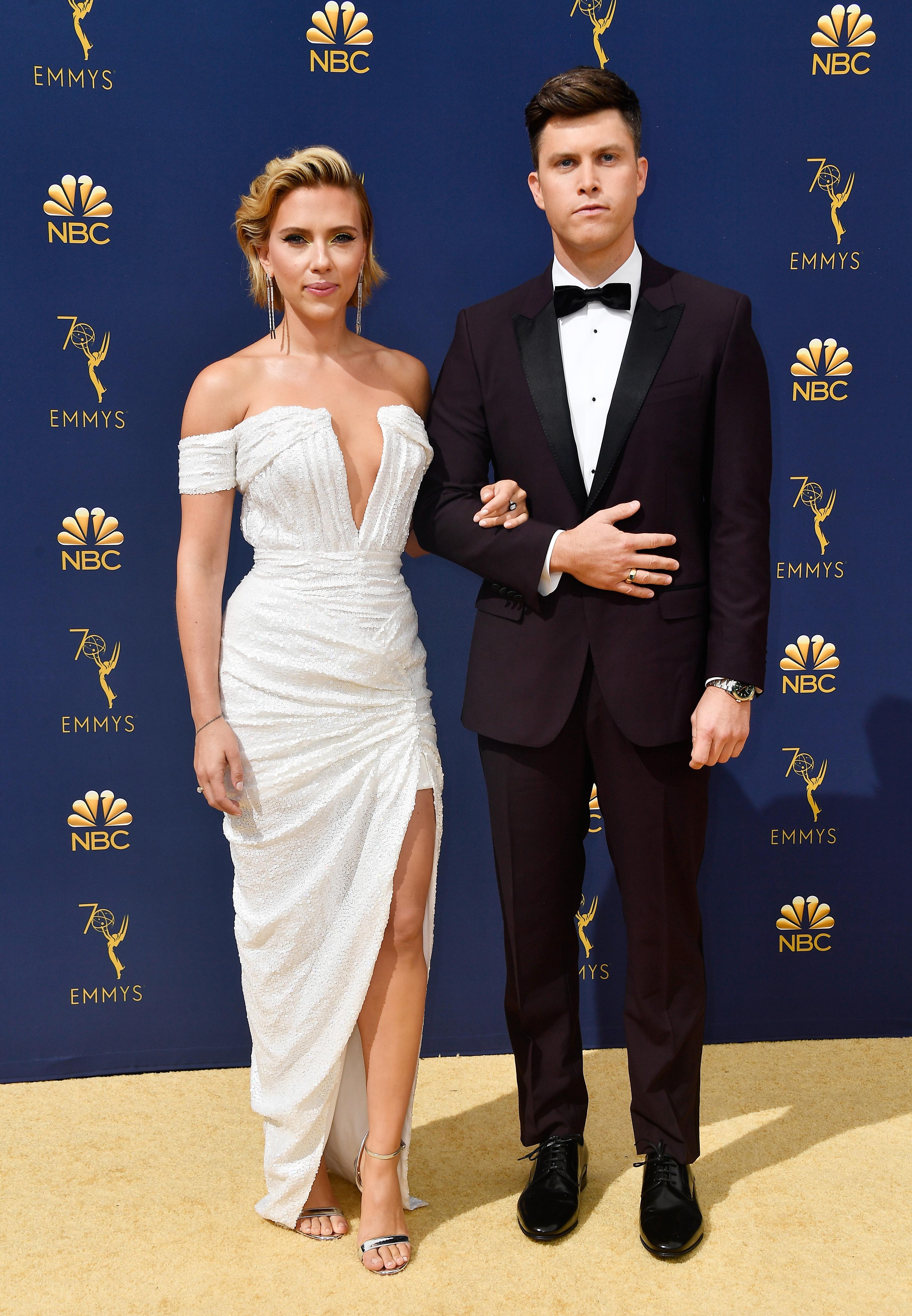 Scarlett Johansson e Colin Jost Emmy 2018