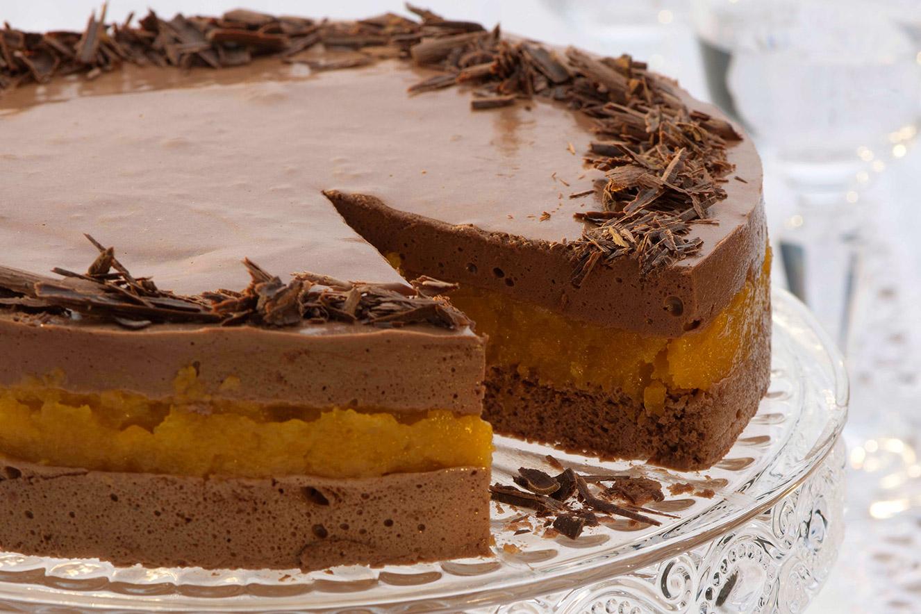 torta-mousse-pao-de-mel-e-damasco